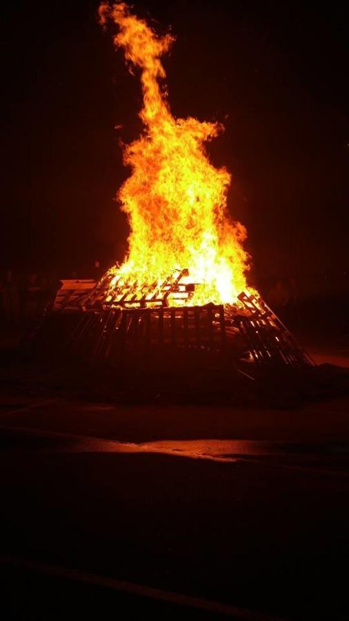 Big...huge...fire