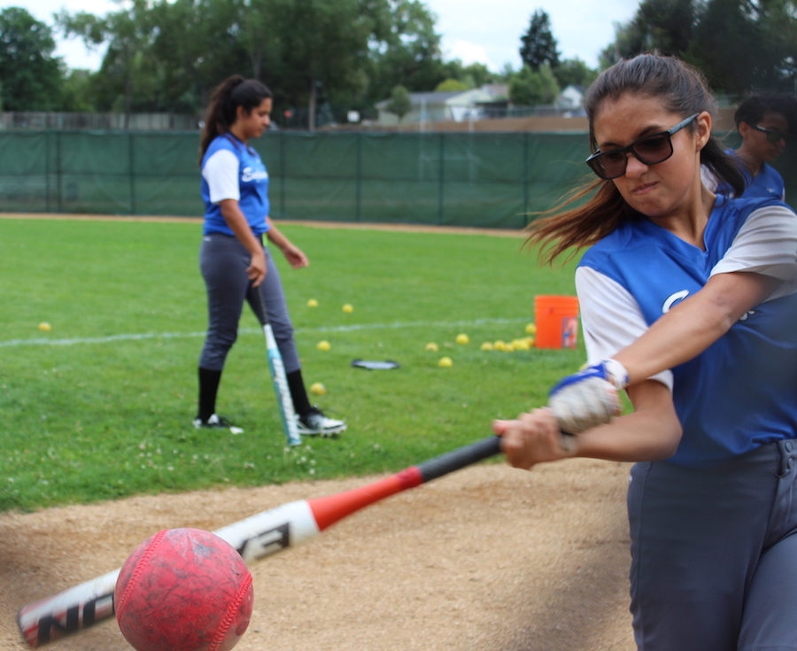 Gaby Winterhalder-Sifuetes (9) Practicing her hitting.
