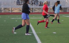 Girls soccer plays scrimmage against Alameda