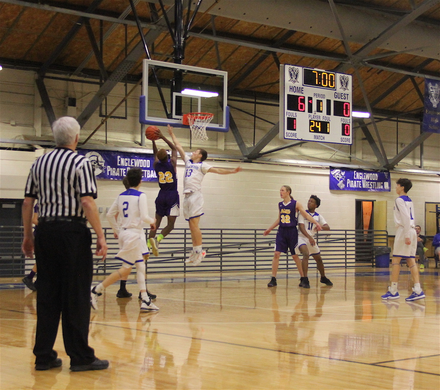 Nate Gravagno (11) blocks a shot.